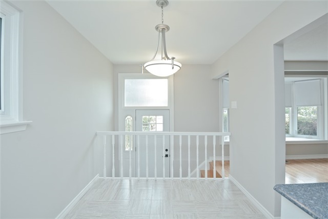 Semi-detached at 72 Little Ave, Clarington, Ontario. Image 15