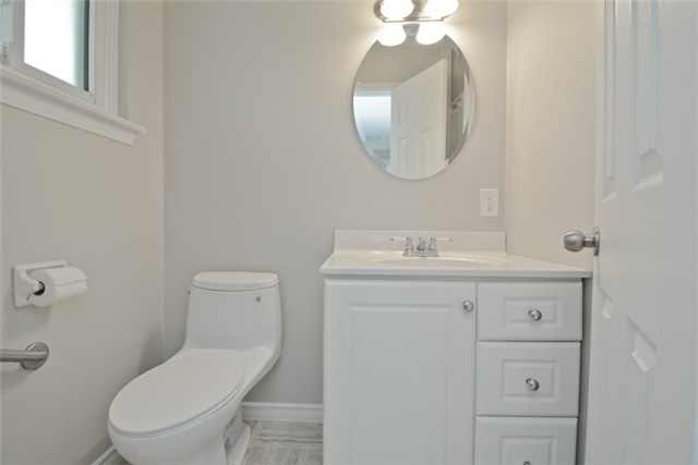 Semi-detached at 72 Little Ave, Clarington, Ontario. Image 6