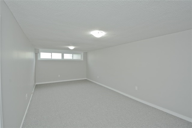 Semi-detached at 72 Little Ave, Clarington, Ontario. Image 7