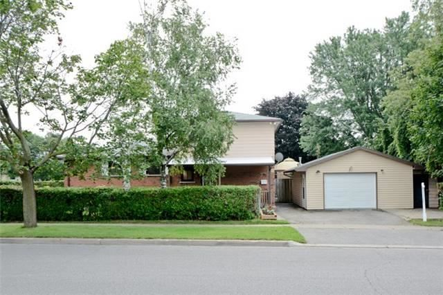 Semi-detached at 72 Little Ave, Clarington, Ontario. Image 9