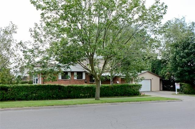 Semi-detached at 72 Little Ave, Clarington, Ontario. Image 10