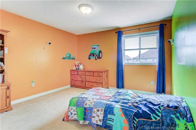Link at 51 Dadson Dr, Clarington, Ontario. Image 4