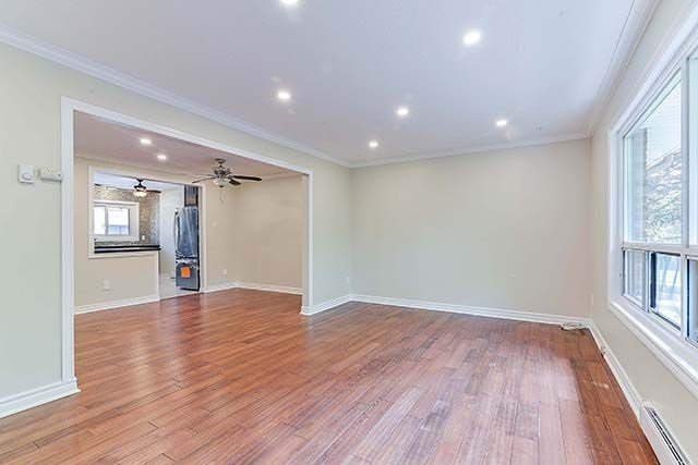 Condo Townhouse at 1958 Rosefield Rd, Unit 41, Pickering, Ontario. Image 15