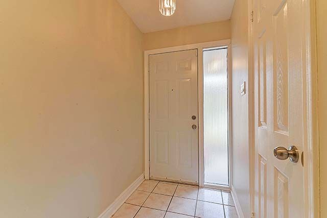 Condo Townhouse at 1958 Rosefield Rd, Unit 41, Pickering, Ontario. Image 7
