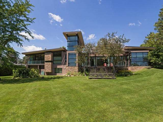 Detached at 51 Sunnypoint Cres, Toronto, Ontario. Image 1