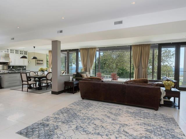 Detached at 51 Sunnypoint Cres, Toronto, Ontario. Image 14