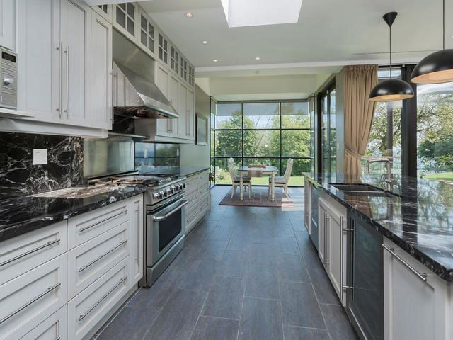 Detached at 51 Sunnypoint Cres, Toronto, Ontario. Image 17