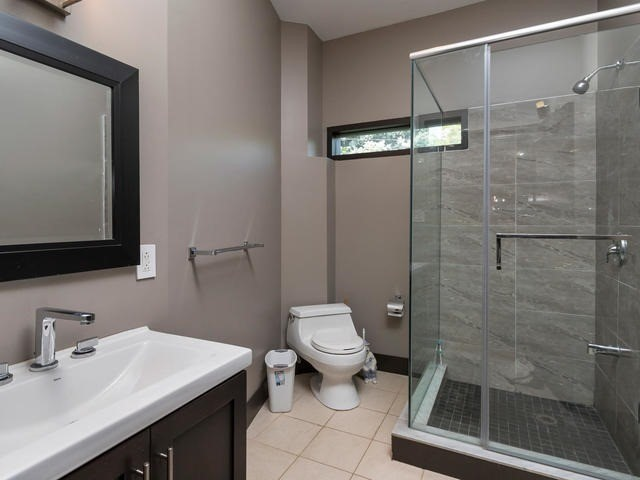 Detached at 51 Sunnypoint Cres, Toronto, Ontario. Image 4