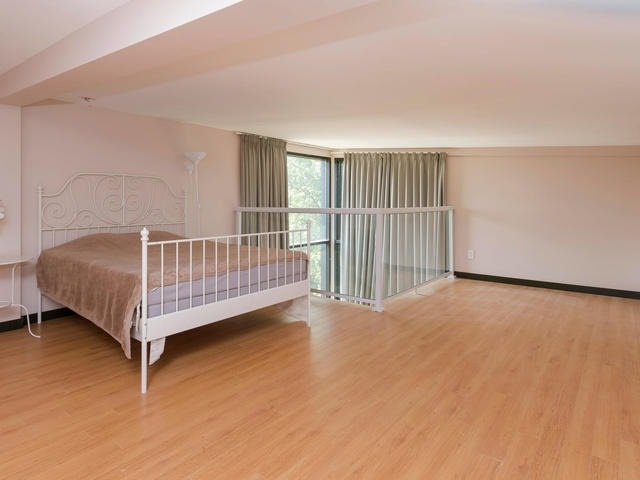 Detached at 51 Sunnypoint Cres, Toronto, Ontario. Image 7