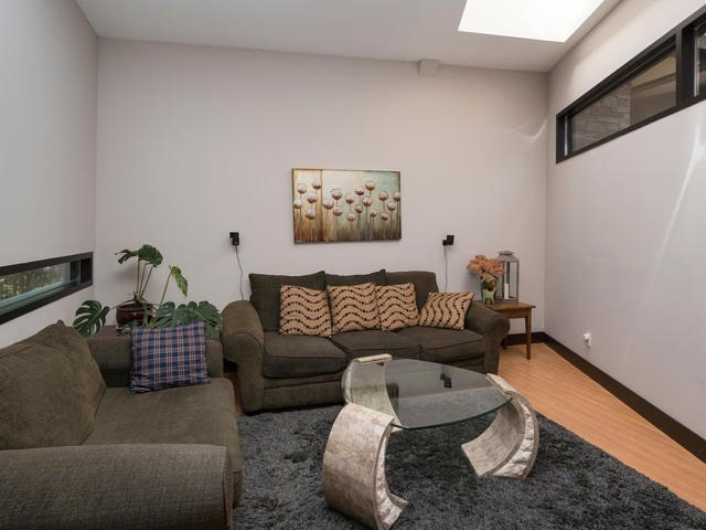 Detached at 51 Sunnypoint Cres, Toronto, Ontario. Image 8