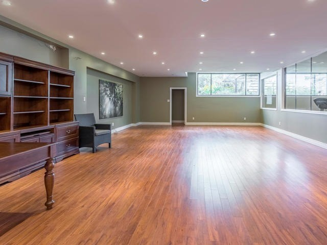 Detached at 51 Sunnypoint Cres, Toronto, Ontario. Image 9