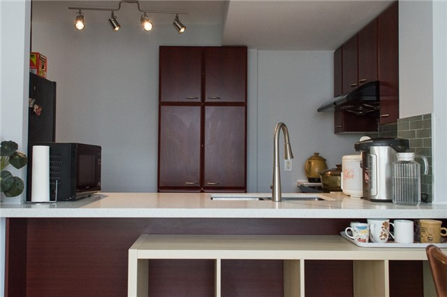 Condo Townhouse at 36 Lee Centre Dr, Unit Th316, Toronto, Ontario. Image 5