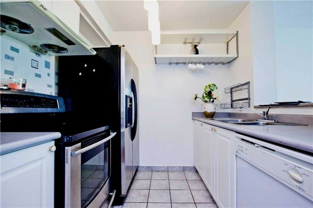 Condo Apartment at 1 Lee Centre Dr, Unit 1508, Toronto, Ontario. Image 19