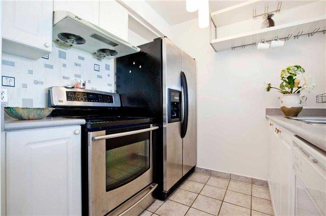 Condo Apartment at 1 Lee Centre Dr, Unit 1508, Toronto, Ontario. Image 20