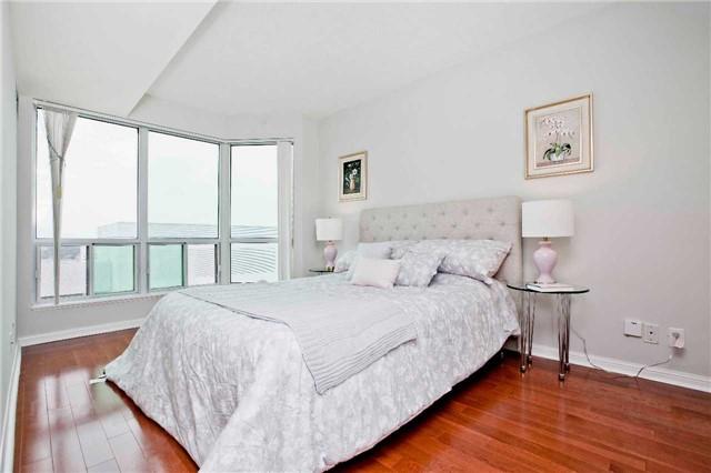 Condo Apartment at 1 Lee Centre Dr, Unit 1508, Toronto, Ontario. Image 4