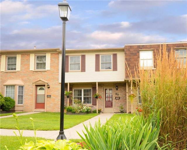Condo Townhouse at 580 Eyer Dr, Unit 99, Pickering, Ontario. Image 1