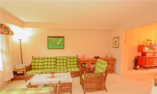 Condo Townhouse at 580 Eyer Dr, Unit 99, Pickering, Ontario. Image 14