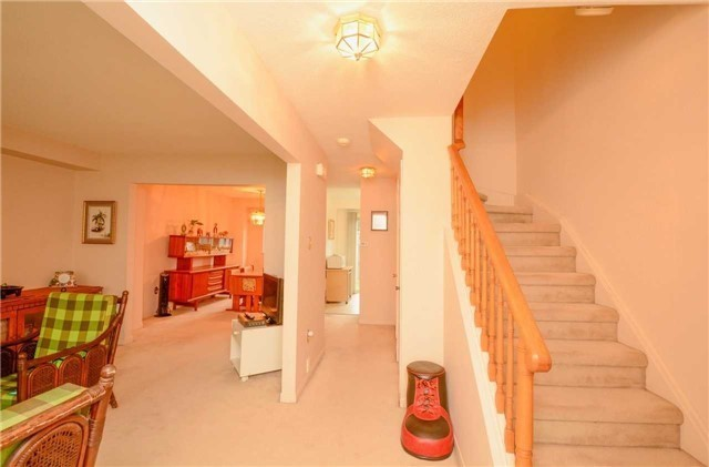 Condo Townhouse at 580 Eyer Dr, Unit 99, Pickering, Ontario. Image 15