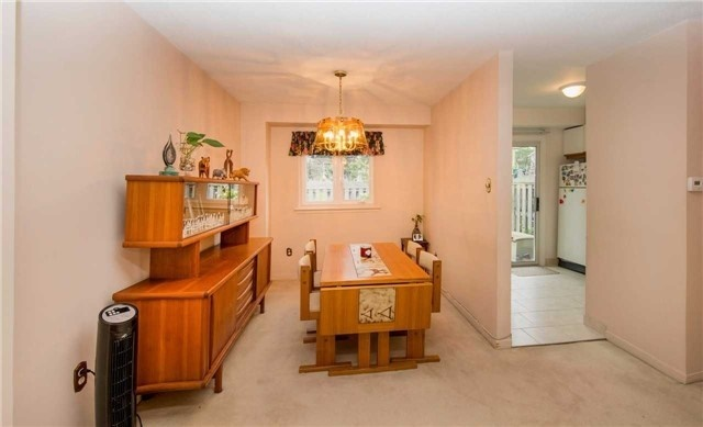 Condo Townhouse at 580 Eyer Dr, Unit 99, Pickering, Ontario. Image 17