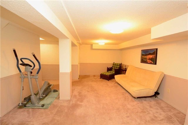 Condo Townhouse at 580 Eyer Dr, Unit 99, Pickering, Ontario. Image 4