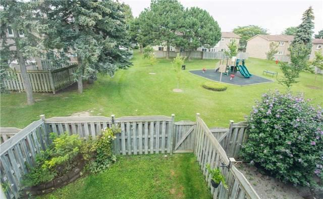 Condo Townhouse at 580 Eyer Dr, Unit 99, Pickering, Ontario. Image 9