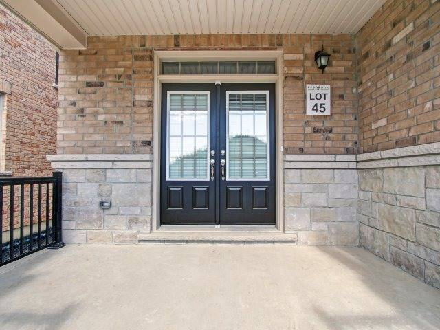 Detached at 2193 Sunflower Rd, Pickering, Ontario. Image 12