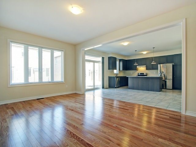 Detached at 2193 Sunflower Rd, Pickering, Ontario. Image 17