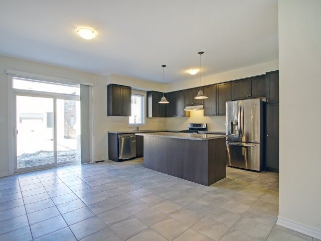 Detached at 2193 Sunflower Rd, Pickering, Ontario. Image 19