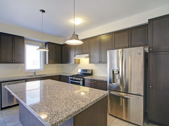 Detached at 2193 Sunflower Rd, Pickering, Ontario. Image 20