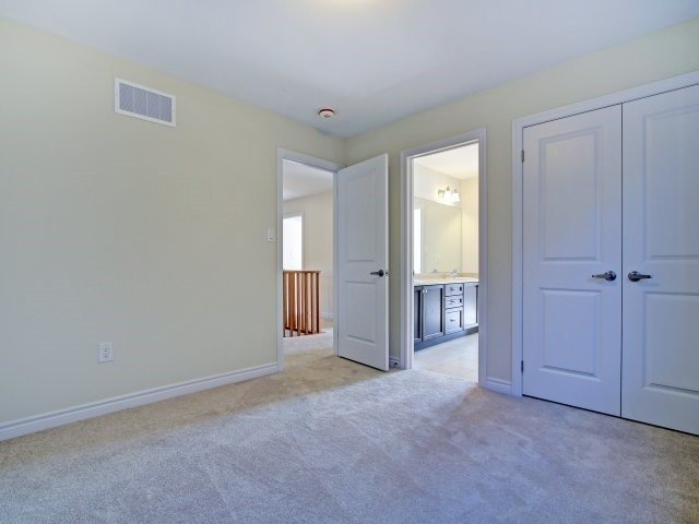Detached at 2193 Sunflower Rd, Pickering, Ontario. Image 7