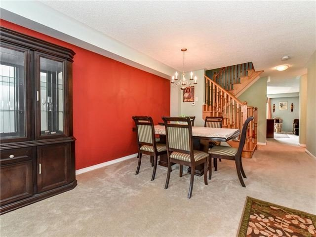 Townhouse at 20 Booker Dr, Ajax, Ontario. Image 7
