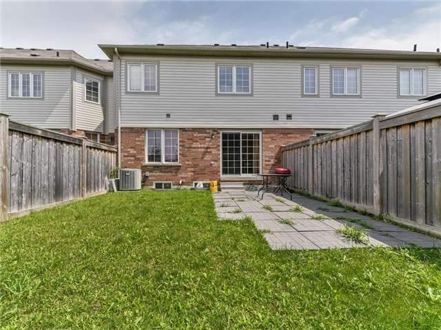 Townhouse at 20 Booker Dr, Ajax, Ontario. Image 2