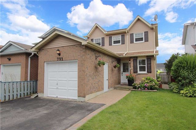 Detached at 792 Bennett Cres, Oshawa, Ontario. Image 1