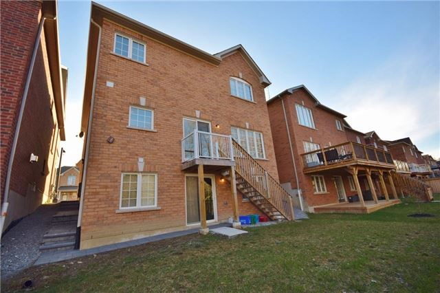 Detached at 2455 Earl Grey Ave, Pickering, Ontario. Image 13