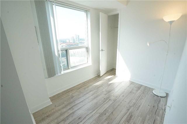 Condo Apartment at 38 Lee Centre Dr, Unit 2110, Toronto, Ontario. Image 6