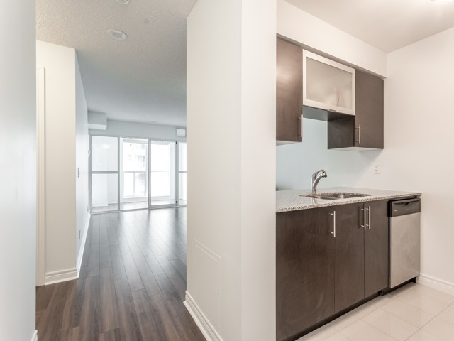 Condo Apartment at 50 Town Centre Crt, Unit 2409, Toronto, Ontario. Image 14
