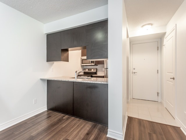 Condo Apartment at 50 Town Centre Crt, Unit 2409, Toronto, Ontario. Image 19