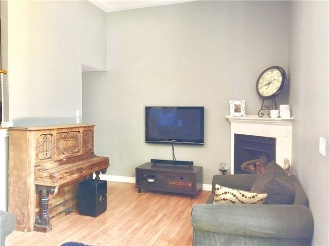 Condo Townhouse at 1370 Fieldlight Blvd, Unit 22, Pickering, Ontario. Image 17