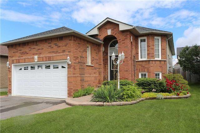 Detached at 4 Goodwin Ave, Clarington, Ontario. Image 1