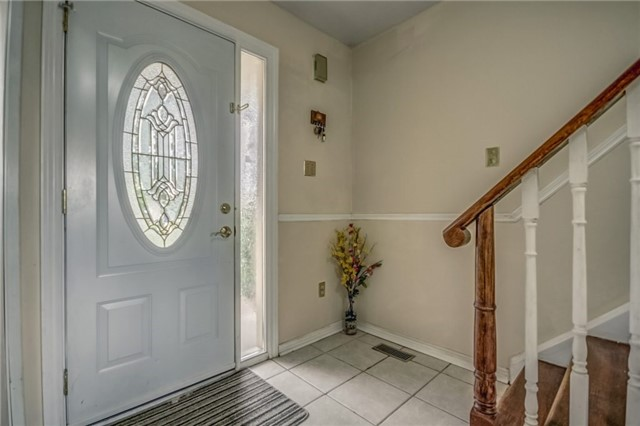 Detached at 40 Tresher Crt, Ajax, Ontario. Image 15