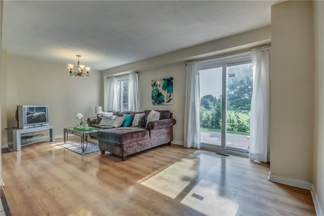 Detached at 40 Tresher Crt, Ajax, Ontario. Image 19