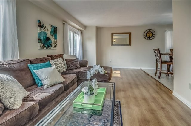 Detached at 40 Tresher Crt, Ajax, Ontario. Image 10