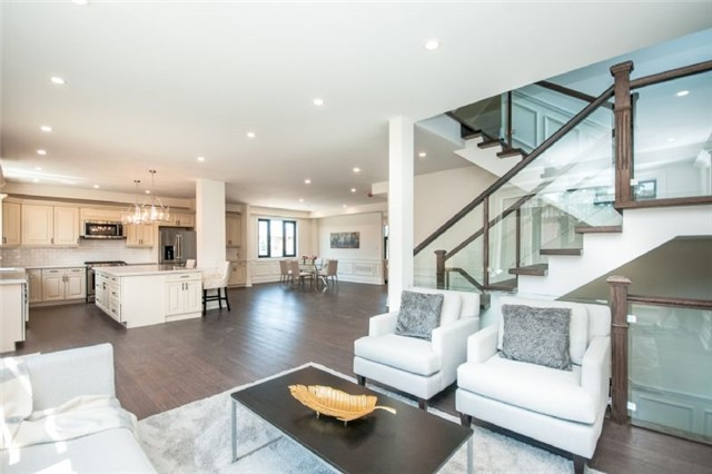 Detached at 303 Fiddlers Crt E, Pickering, Ontario. Image 15