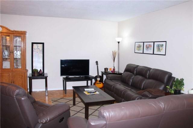 Condo Apartment at 180 Markham Rd, Unit #608, Toronto, Ontario. Image 9