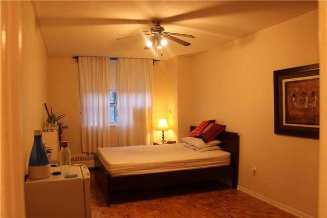 Condo Apartment at 180 Markham Rd, Unit #608, Toronto, Ontario. Image 2