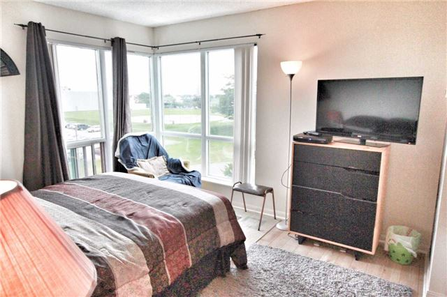 Condo Apartment at 11 Lee Centre Dr, Unit 511, Toronto, Ontario. Image 14