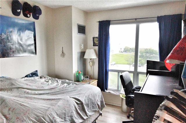 Condo Apartment at 11 Lee Centre Dr, Unit 511, Toronto, Ontario. Image 2