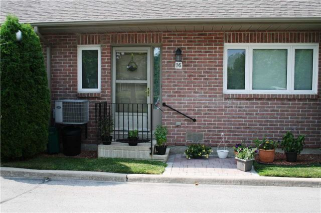Condo Townhouse at 234 Water St, Scugog, Ontario. Image 1