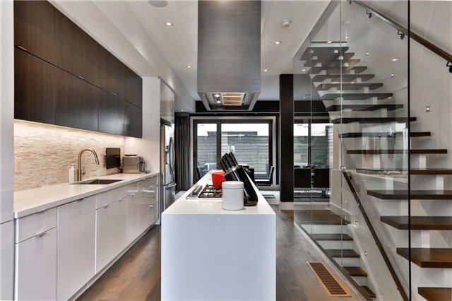 Townhouse at 837 Broadview Ave, Unit 6, Toronto, Ontario. Image 15