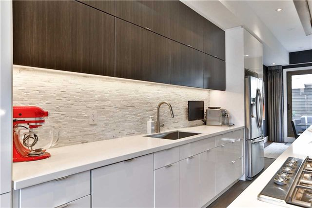 Townhouse at 837 Broadview Ave, Unit 6, Toronto, Ontario. Image 17